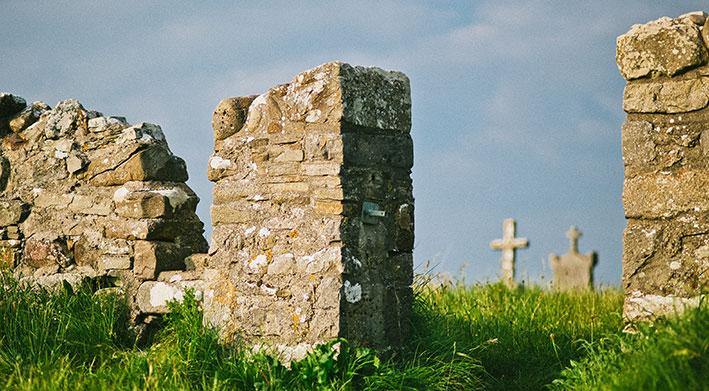 Go Strandhill - Killaspugbrone Church