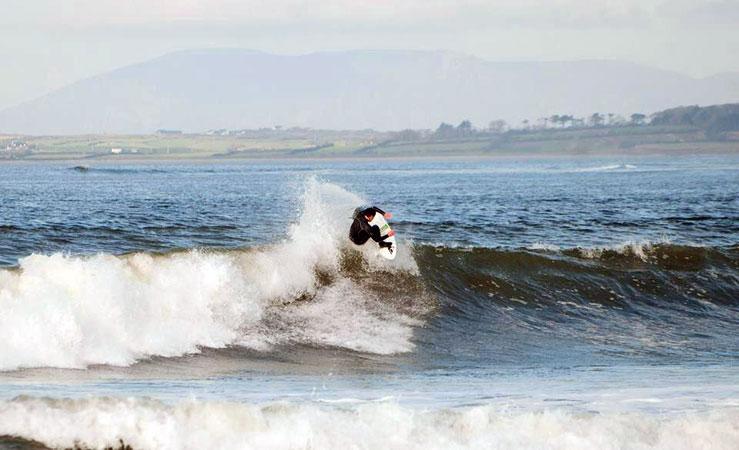 Surf on the beach - Go Strandhill